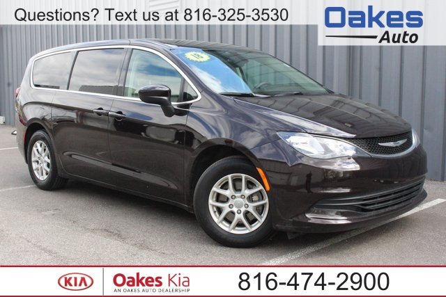 Pre Owned 2017 Chrysler Pacifica Touring